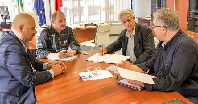 El PSOE de El Ejido mantiene una reunión con el Delegado de Medio Ambiente