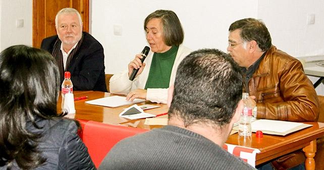 Acto que ha realizado en Nacimiento el candidato al Congreso Juan Jiménez para informar sobre las propuestas del PSOE en materia de agua y electricidad