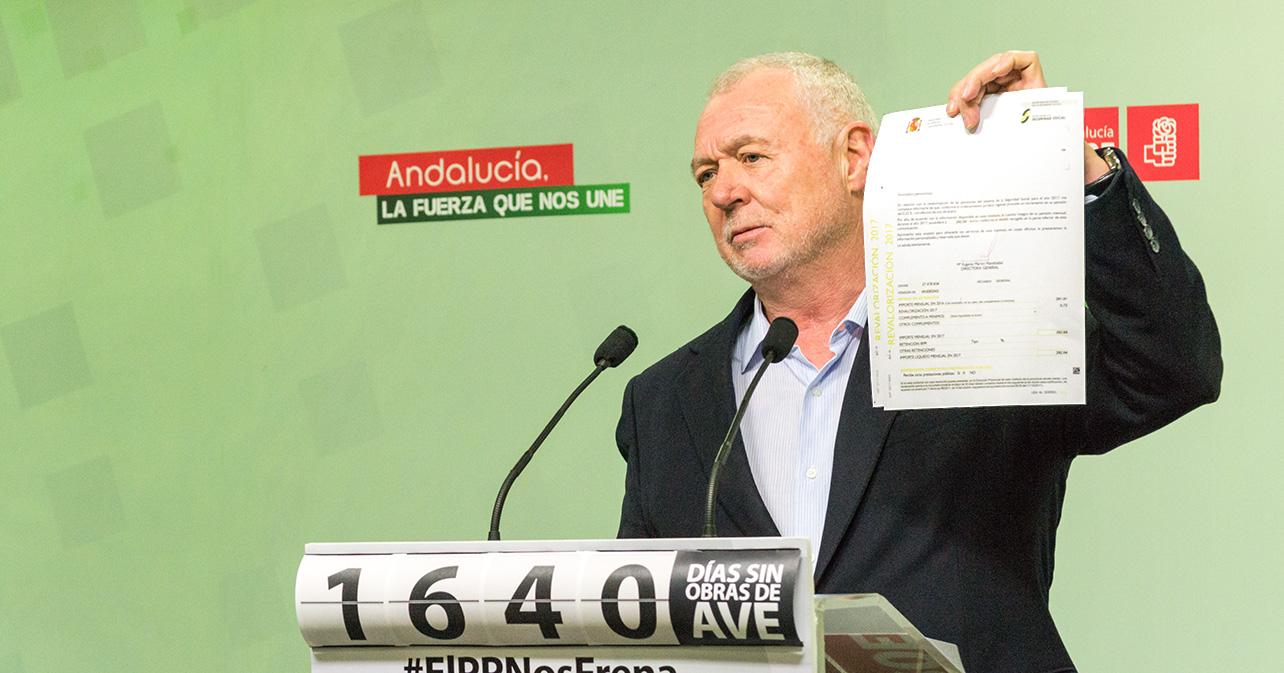 Rueda de prensa ofrecida por el diputado nacional del PSOE de Almería, Juan Jiménez