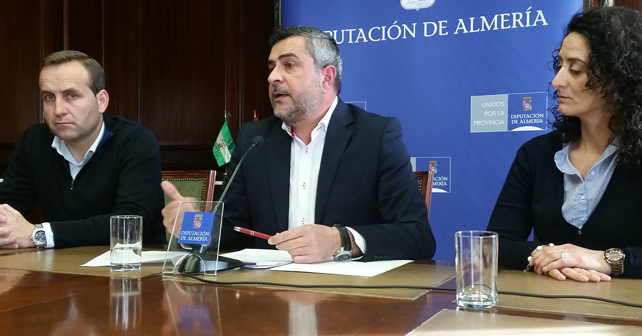 Rueda de prensa del portavoz del PSOE en la Diputación de Almería, Juan Antonio Lorenzo